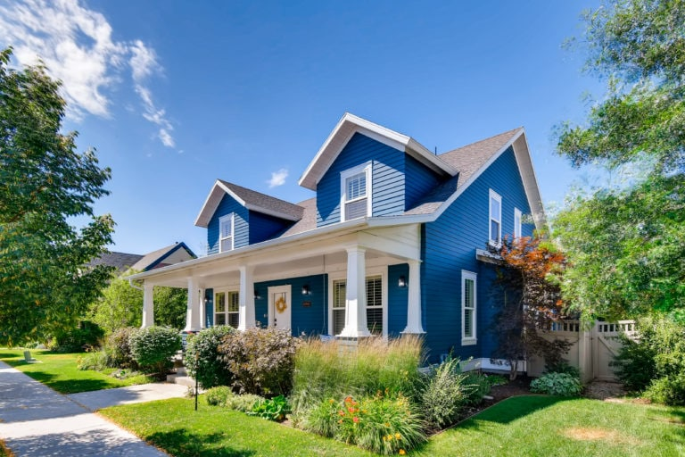 real-estate-photographer-near-me-picture-of-blue-house